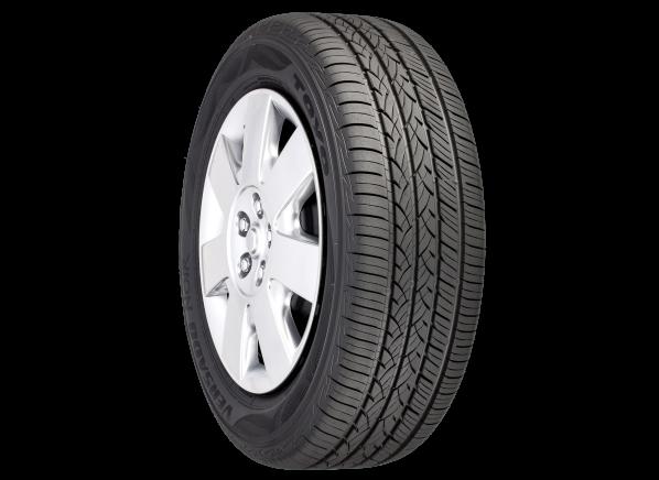 Toyo Versado Noir tire
