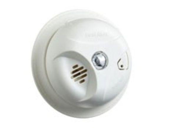 First Alert SA304LCN smoke detector