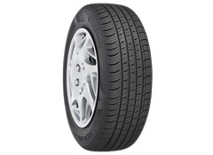 Kumho Solus TA71 performance all season tire