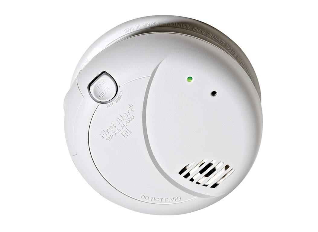 first alert 7010b smoke carbon monoxide detectors. Black Bedroom Furniture Sets. Home Design Ideas